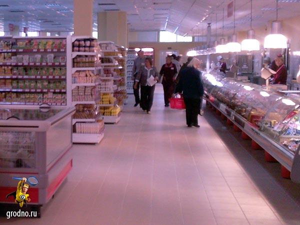 Обновленный магазин Фламинго открылся. Посетителей пока немного.